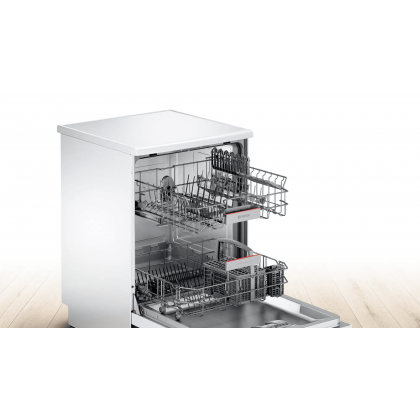 Bosch Freestanding Dishwasher 12 Place Setting Serie 4 SMS46GW01P (White)